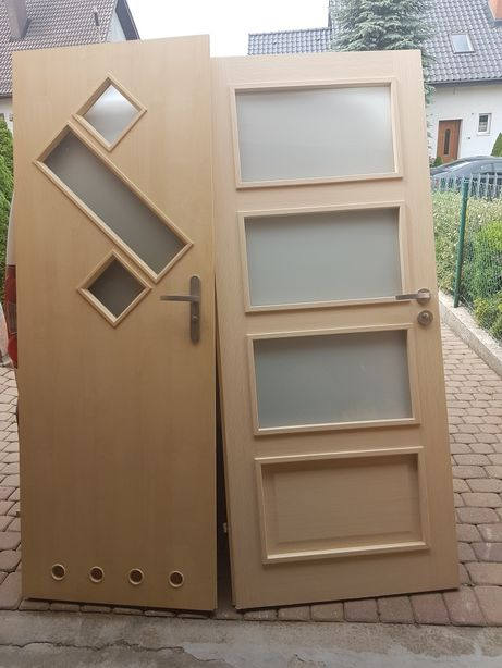 Dzwi pokojowe lazienkowe i pokojowe z okuciem i z klamkami