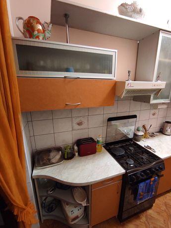 Кухня. Вся кухонная мебель + техника