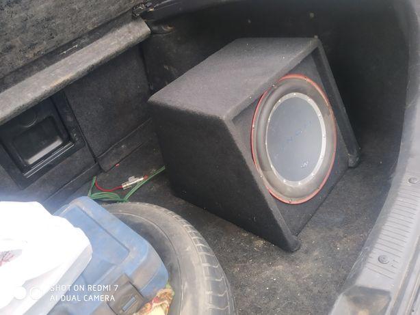 Продам сабуфер з усілком в авто в ідеальному стані