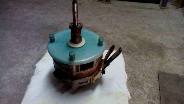Элетродвигитель от центрофуги