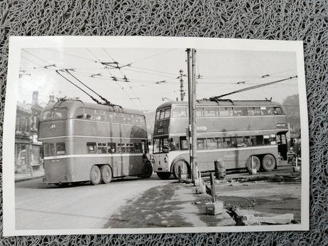 Stare angielskie zdjęcie Autobusy.