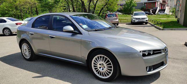 Alfa Romeo 159, официал