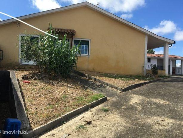 Moradia M2 em Paraimo, Sangalhos, Anadia, inserida em terreno c/730 m2
