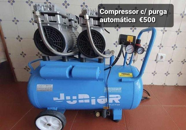 Compressor com purga automática praticamente novo