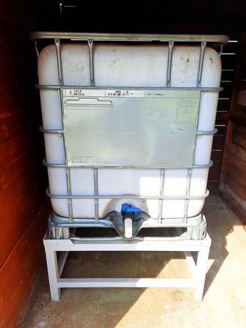 Pojemnik na deszczówkę 1000 l i podstawa