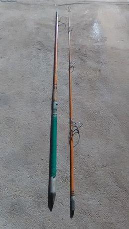 Canas de Pesca Daiwa e da Índia (artesanal)