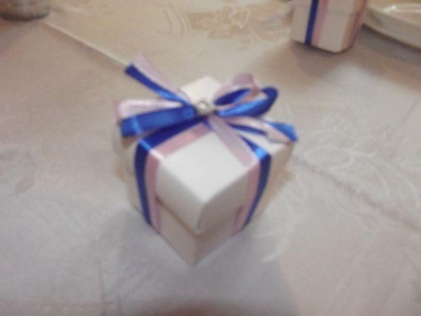 Pudełka prezentowe dla gości jako podziękowanie