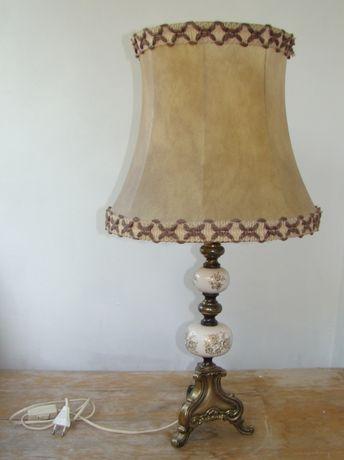 Lampa nocna, gabinetowa, stołowa.