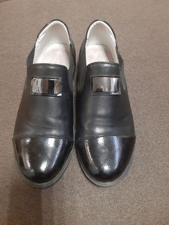 Туфлі 37р. для дівчинки