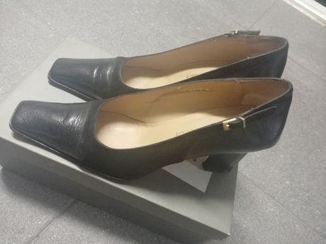 Sapatos Charles - pretos em pele e camurça, salto alto - 38