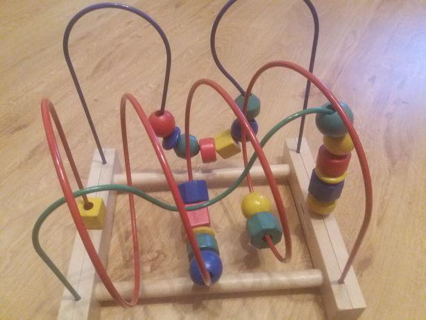 Zabawka Mula IKEA, drewniana przeplatanka