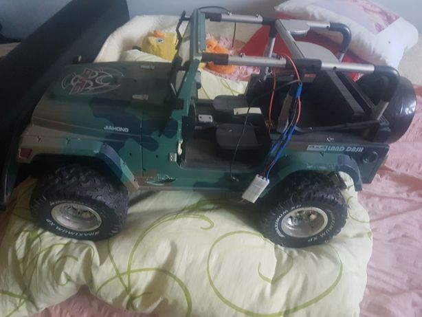 Zabawki auta dźwig kombajn