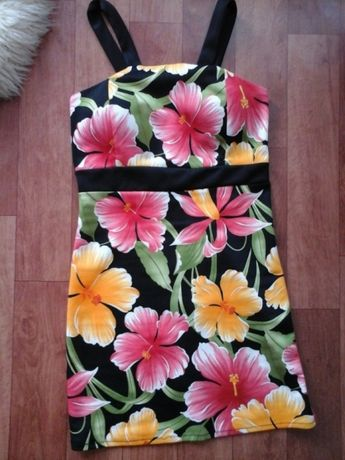 Sukienka S w kwiaty na lato letnia
