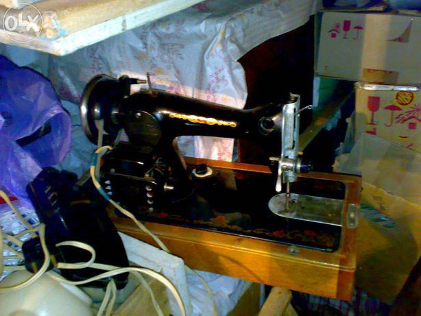 Продам советскую швейную машину с электроприводом