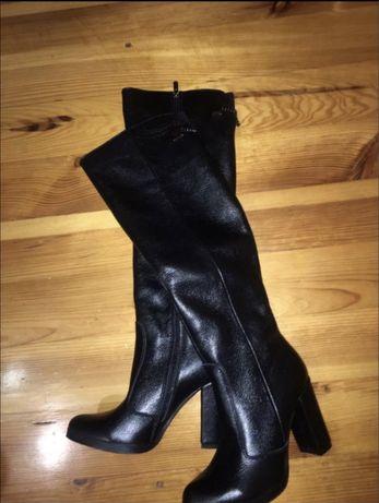 Новые кожаные сапоги на каблуке зимние ботфорды