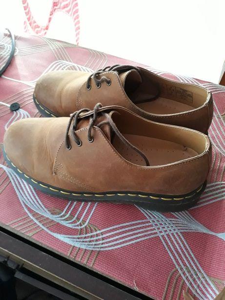 Продам качественные фирменные туфли!!!