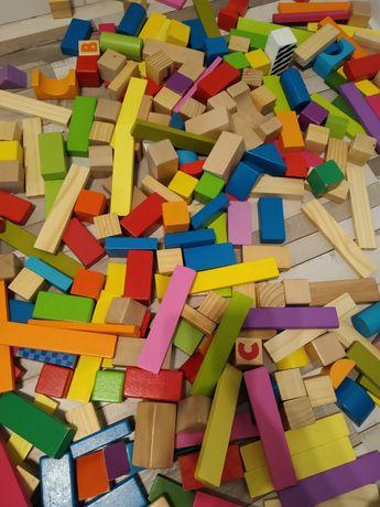 Pudło klocków drewnianych