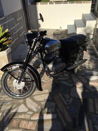 Vendo Moto JAWA