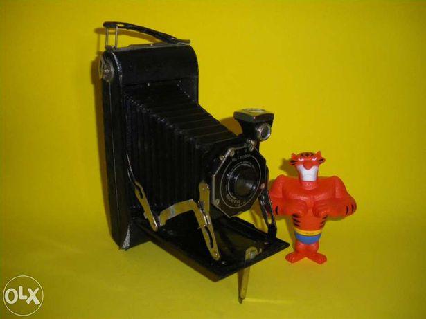 Máquina Fotográfica Vintage – Kodak Brownie Pliant Six-16