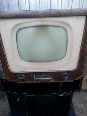 Neptun ! Telewizor 24 cale Neptun (50 lat) antyk