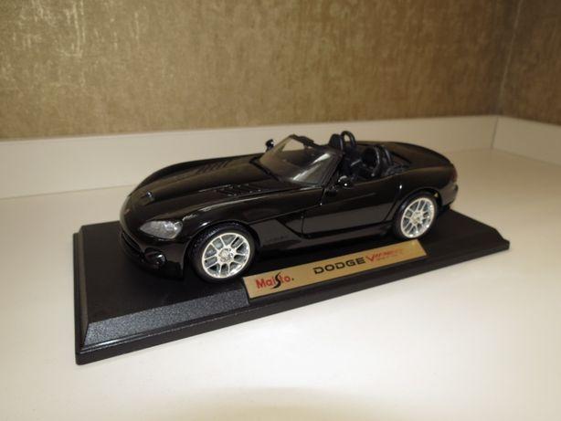 Модель авто Dodge Viper SRT-10, Maisto (1:18)