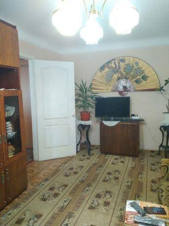 ! Продам 2 комнатную квартиру пл. Дзержинского Красный Камень !