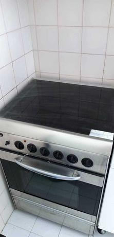 Vende-se Fogão com forno