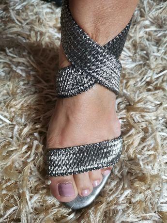 Sandália prateada