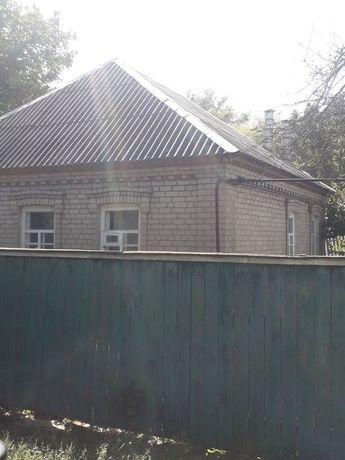 Продаются два дома на приватизированных земельных участках.