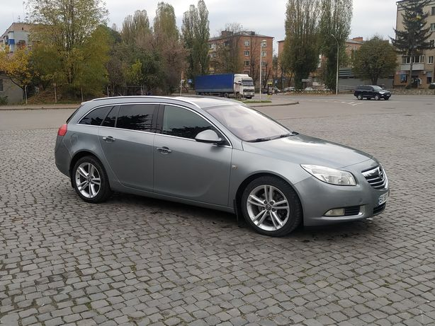 Opel Insignia 2010 2.0 дизель