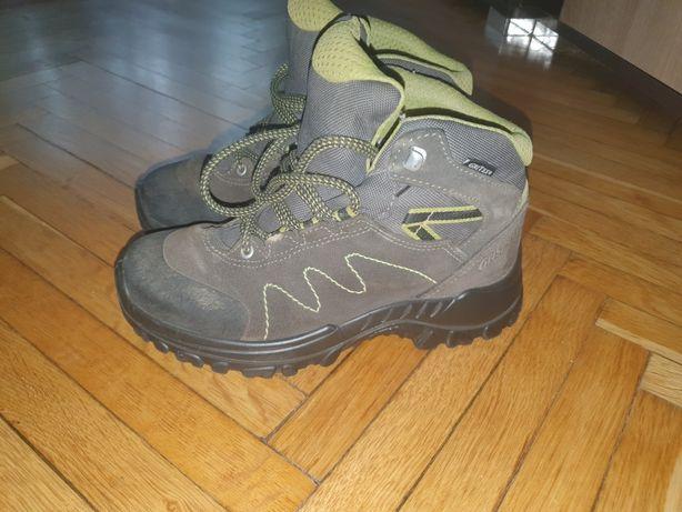 Дитячі кросівки осінь весна 34 розмір