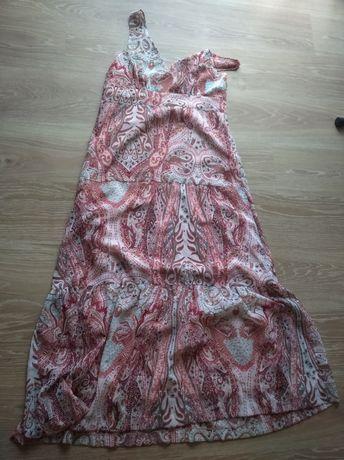 Śliczna sukienka rozm.42