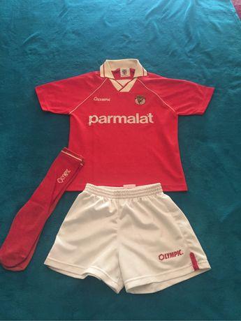 Equipamento S.L.Benfica de criança (vintage)