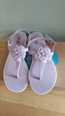 Dziewczęce sandałki rozmiar 35