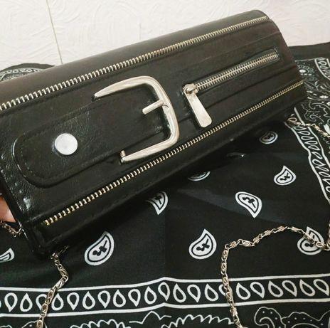 Кожаная сумка на цепочке