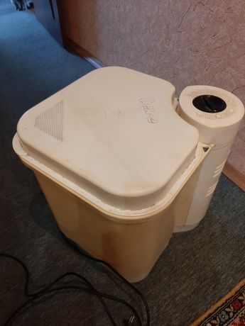Продам стиральную машинку Фея