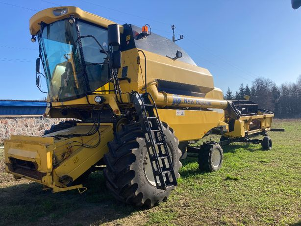 Kombajn zbożowy New Holland TC5070