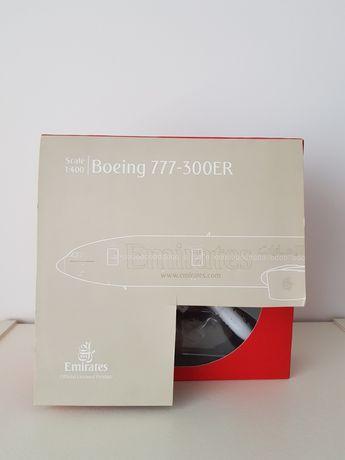 Modelo à escala 1:400 do Boeing 777-300ER