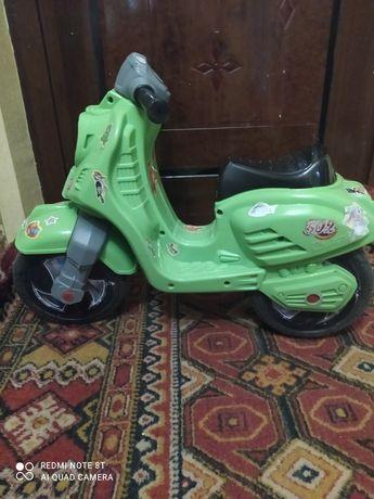 Продам детский мотоцикл толокар