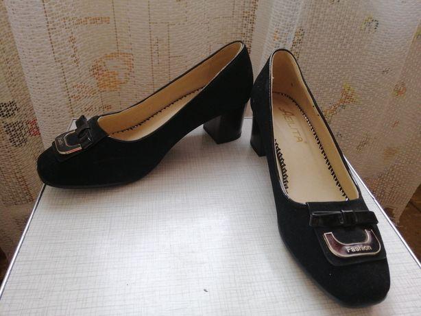 Туфли женские 37 р.(маломерят)