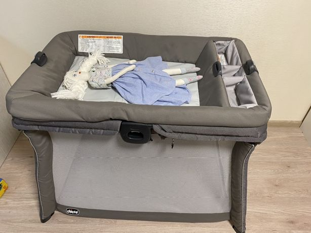 Кроватка-манеж Chicco FastAsleep , манеж с пеленальным столиком