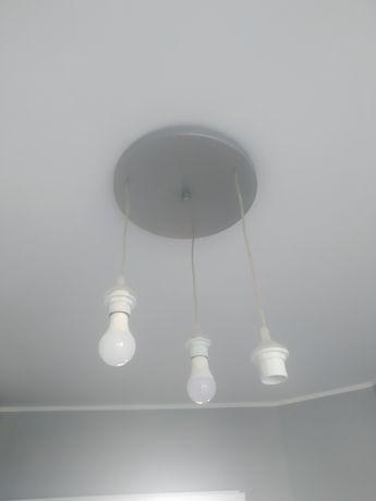 Lampa sufitowa na trzy klosze