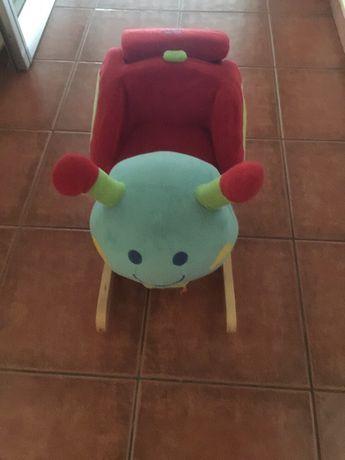 Baloiço peluche para bebe marca juguettos