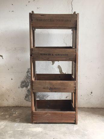 Garrafeira em madeira