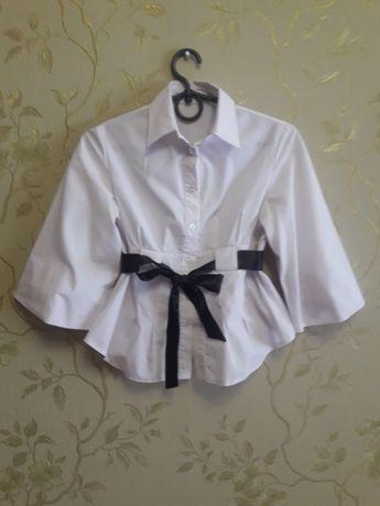 Продам блузку для школы.