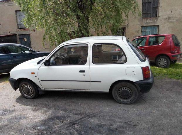 Nissan Micra K11 1.0 benzyna 2000 rok