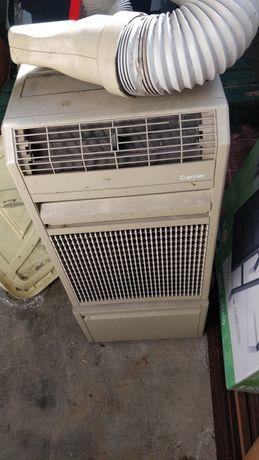 Ar condicionado portátil e caixa registradora (antigos)