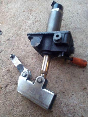 Vendo bomba manual hidraulica de duplo efeito