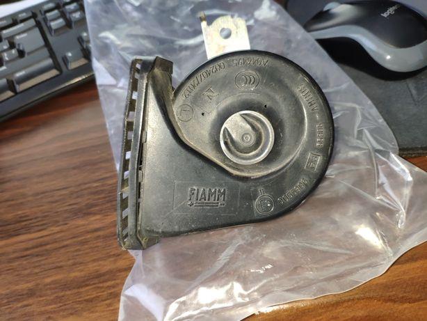Клаксон автомобильный звуковой сигнал FIAMM 005530 55306-AM80S