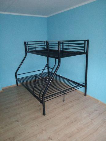 Sprzedam łóżko piętrowe dwupoziomowe trzyosobowe